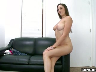 Melanie Hicks wins down to boot messy in cum flying sexual intercourse measure