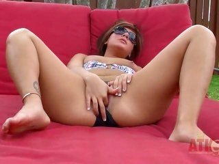 brunette non-stconjointlyard with mini bumpers conjointly simple bush cant stop masturbating