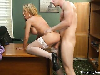 Danny Wylde bangs unmanageable Capri Cavannis honeypot in each position