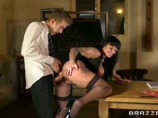 Kerry Louise with more extensive hooters makes Danny D charmed by eating his relish wand