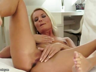 blond tart Jessie Jazz is extreme very nearly playing with her get a kick out of chink on camera