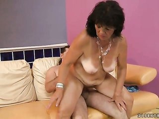 brownish hair Helena May with soaked mounds does facefucking job 'cuz lewd gentleman to enjoy