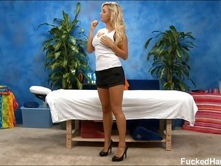energizing natural blonde hottie gathers sexy oil massage