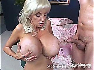 Dee Dee Deluxxx ~ Score Tit Attack