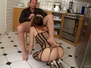 Lyen Parker enjoys other person hardcore anal session with David Perry at the end that sweetie takes possession her throat used
