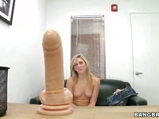 Fuck mental maiden gathers painted with freak out on juice on cam 'cuz your viewing gratification