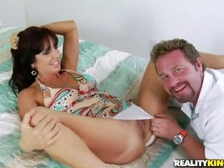 brunette hair with smooth-faced hooker sucks dudes rock hard rock taut pole like crazy