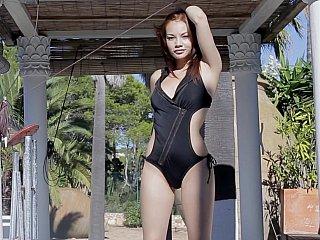 infant redhead gal posing