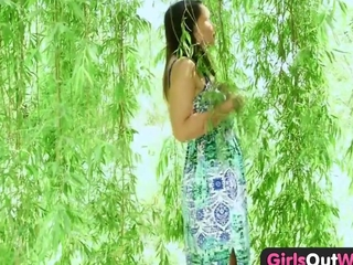 girls Out West - sexually promiscuous naive babe plays with glass weapon